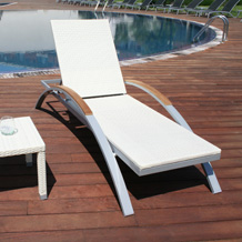 Bali Sun Lounger with synthetic fiber